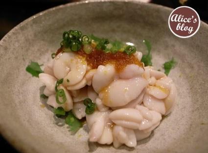 盐烧北海道雪场帝王蟹:上图为两人份的量,给的挺大方,蟹肉品质一流.