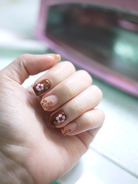 110315裸色豹纹×可爱小花光疗指甲.