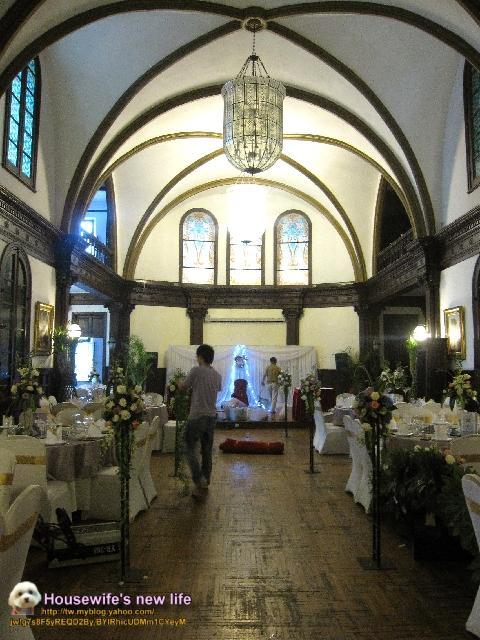 往二楼走穹顶宴会厅彩绘玻璃欧式古典风格