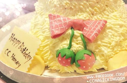萌度满分的可爱羊羊蛋糕.甜甜蜜蜜过生日﹏