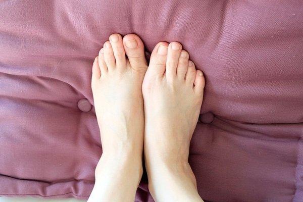 瑪姬與腳.jpg