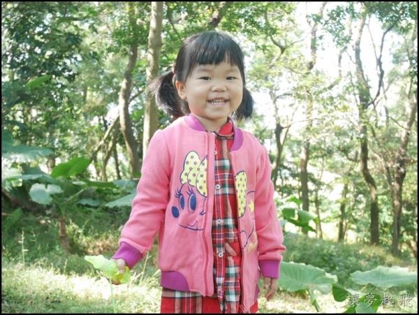 【體驗】麗嬰房2015秋冬新裝試穿~粉紅色米妮薄外套