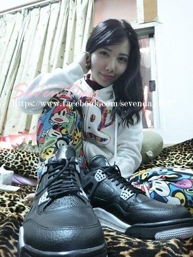 """【開箱】過年期間奧利奧餅乾大搶購!「Air Jordan 4 """"OREO""""」"""