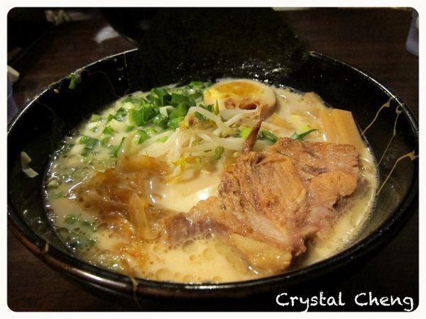 【台中美食推薦】一新 北海道新鮮生拉麵 好難得沒被拉麵湯頭鹹到 炸雞好好吃推薦!