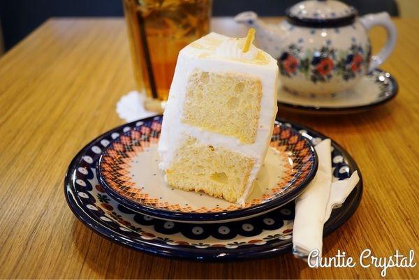 【2017首爾自由行✈弘大美食推薦】Sweet Swan 清香檸檬奶油蛋糕 不甜不膩 弘大下午茶推薦!(必吃 甜點)