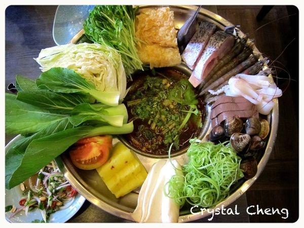 【台中美食推薦】很越南宮廷料理 好新鮮食材越南火鍋嘗鮮!