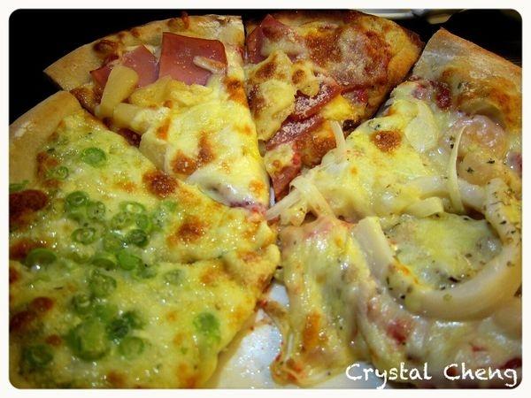 【台中美食推薦】比薩斜塔 Pizza吃到飽 出乎意料可口的薄pizza!!