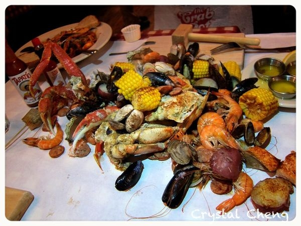 【西雅圖美食推薦】The Crab Pot 新鮮海鮮好霸氣倒上桌 大啖蟹腳鮮蝦牡蠣好過癮啊!!
