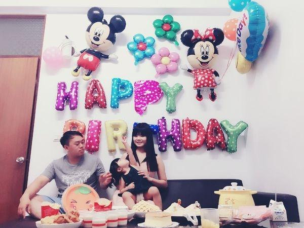 《小貝拉兩歲生日快樂》在家裡也可以舉辦簡單的小小派對—兩歲生日派對