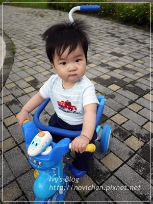 [親子] 一起來騎腳踏車