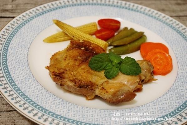 ♥ 艾薇廚房 ♥ 在家也可以做出美味的排餐料理 ▌義式烤雞腿排 ▌(步驟圖文版)