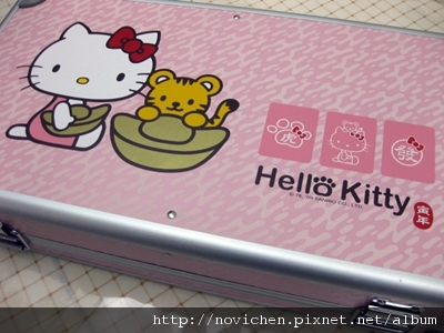 可愛的Hello Kitty麻將陪我過年!