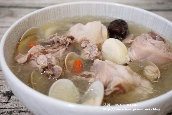 ♥ 艾薇廚房 ♥ 簡單四步驟,教你燉出滋補元氣、增強免疫力的 ▌蛤蜊蒜頭雞湯 ▌(步驟圖文版)
