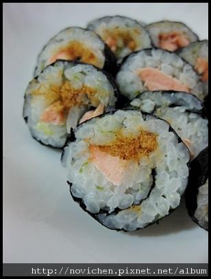 〈1歲半以上寶寶食譜〉海苔鮭魚壽司捲