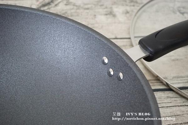 鈦讚瓷晶炒鍋_6.JPG
