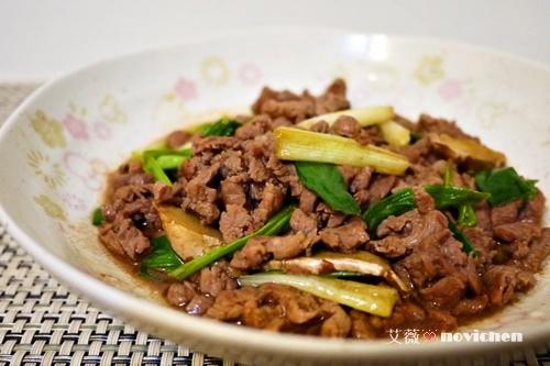 ♥ 艾薇廚房 ♥  中式料理 。 蔥爆牛肉絲