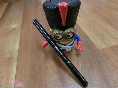 【心得】讓我很滅火的BeautyMaker一筆勾魂持久眼線液筆 (非新款升級版)