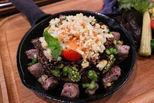 [新竹美食]腰果花砧板原食料理 || 好油、低鹽、原型食物、低溫烹調::舒肥法烹調多汁嫩肉 安心好食