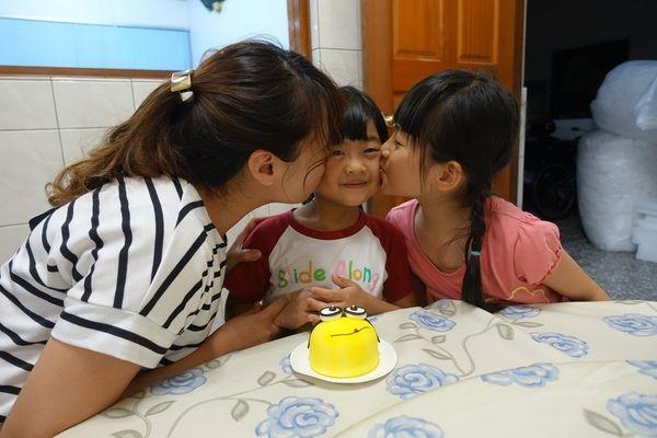 【生活】恭禧咪咪歡渡五歲生日~生日快樂小寶貝