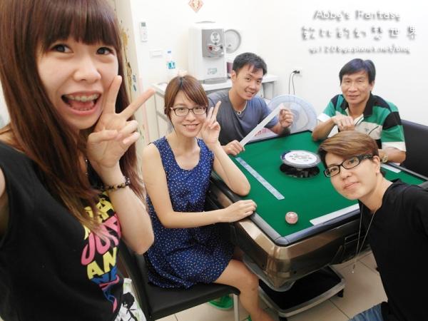 娛樂 / 東方不敗鉑晶三代電動麻將桌 速度快&不占空間&靜音&超好玩!!!! 回不去手動洗牌了 ❤