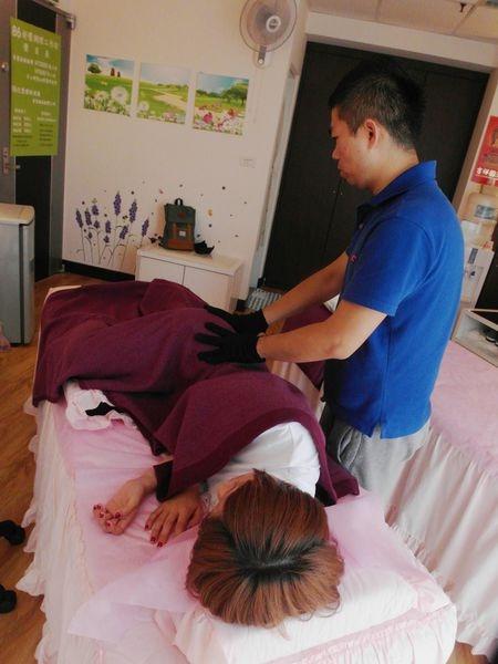 專業經絡按摩舒壓,揮別沉重腫脹下半身