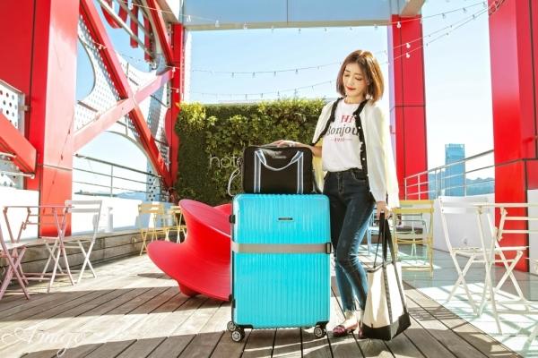 【讀者優惠】NaSaDen納莎登旅行箱.新無憂系列基維特藍超正點,行李箱+雪佛包+三合一行李束帶出國良伴