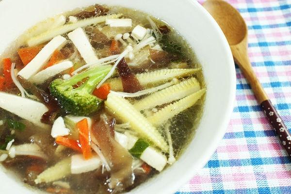 【美食食譜】【小噗廚房】~做出與阿基師一樣美味的~酸辣湯(食譜)