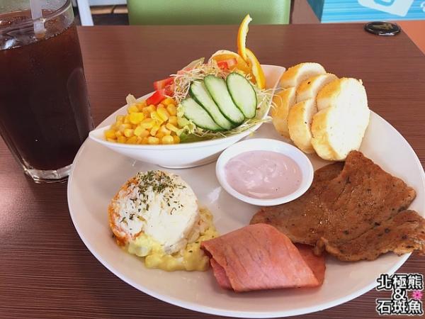 <早午餐>WOW漢堡輕食專賣店-好吃的輕食盤餐不一定要花大錢才能吃到