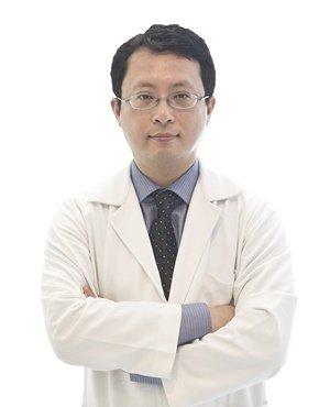 林秉鴻醫師.jpg