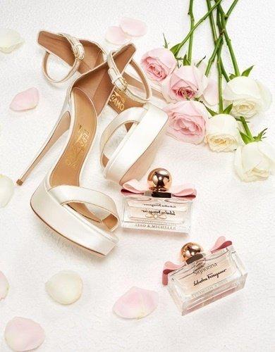 Ferragamo銀白色緞面訂製婚鞋及伴手禮Signorina 芭蕾女伶淡香精.jpg