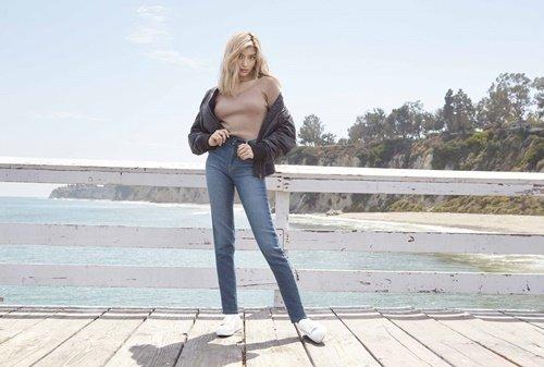 【UNIQLO新聞圖】女裝 EZY牛仔褲 顛覆想像的柔和與舒適.jpg