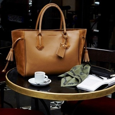 Longchamp 托特包,是每位時髦女性的最佳伴侶,共享生命中所有美好時刻,售價NT$27,400-32,600.jpg
