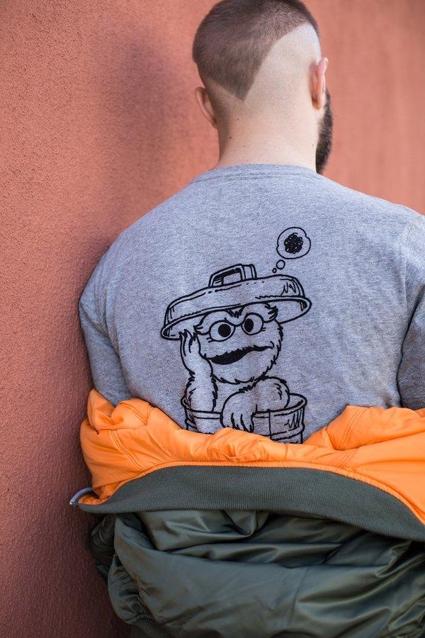 SESAME STREET系列短袖T恤 NT$1,580(灰).jpg