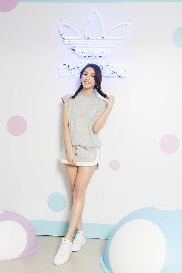 席惟倫著adidas Originals TOKYO系列.JPG