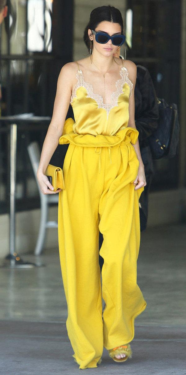 Kendall-Jenner-Best-Street-Style-Looks-4.jpg