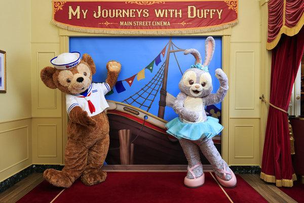 StellaLou首次於樂園亮相,加入Duffy與好友陣容,長駐商店「小鎮影院:『我與DUFFY遊歷之旅』― 由Fujifilm呈獻」內的特色拍照區,與粉絲近距離見面.JPG