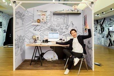 附圖一 插畫家Cherng舉辦首次個展,親自佈置【貘的私領域】,將他日常的靈感空間搬到展覽現場與膜粉分享。.jpg