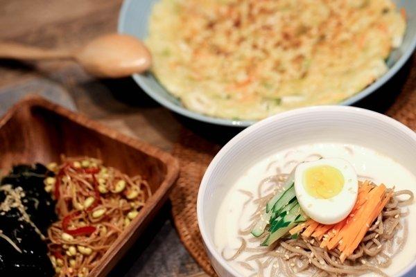 高腰褲創意飲食-韓風海鮮煎餅+冷麵套餐.jpg