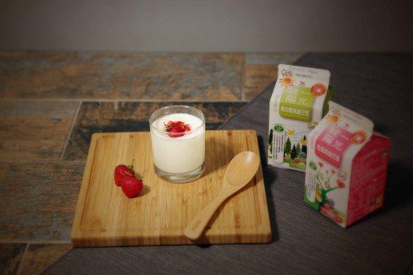 甜食控補償「纖」食譜 _莓果豆漿奶酪.jpg