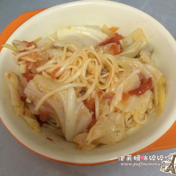 [副食品ღ食譜] (11M)阿母跟著吃得津津有味─蕃茄雞肉湯麵