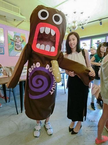 甜品 ⋈ 嬉皮甜甜圈 - Voodoo Doughnut 搞怪來台