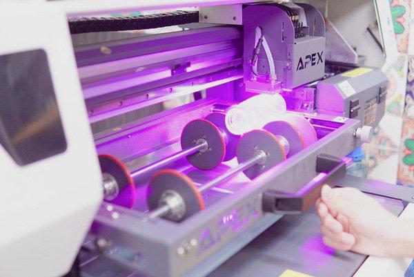 客製化玻璃瓶印刷過程-UV直噴機推薦