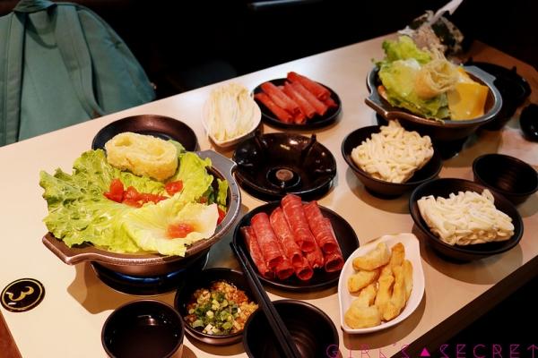 GS愛吃鬼  板橋府中捷運站  啡嚐道火鍋   新鮮美味番茄鍋 /香醇濃郁起司牛奶鍋