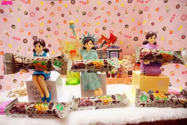 【營養棒】Tsakiris賽奇家族 無麩質營養棒 綜合莓果&黑巧克力。食用方便、低卡無負擔