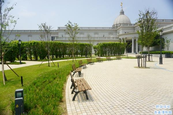 【台南旅遊】♚奇美博物館♚同等高大比例的稀有動物展覽.美景藝術宛如身在異國.台南的希臘世界
