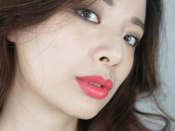 Estee-Lauder-雅詩蘭黛-絕對慾望奢華潤唇膏-320唇膏試色20.jpg