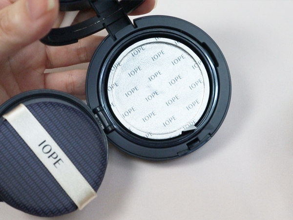 IOPE艾諾碧-完美恆采持色氣墊粉底-氣墊始祖8.jpg