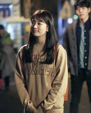 lonelylovely Suzy 1.jpg