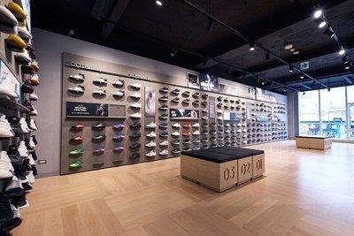全新開幕adidas西門漢中門市,擁有全台adidas最大運動鞋牆,最新商品同時完整呈現。.jpg