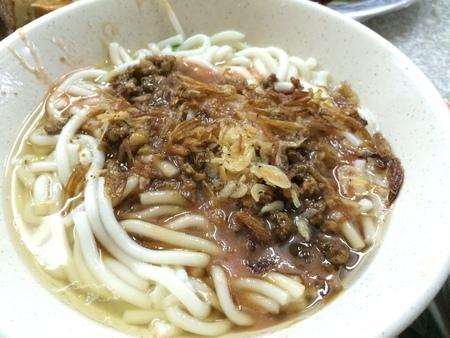 台北中正南機場美食推薦黑白切乾麵 超便宜又大碗的美味美好滋味 滷味 小乾意麵 大乾米苔目